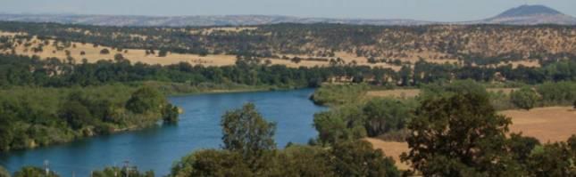 Panoramic views of Lake California