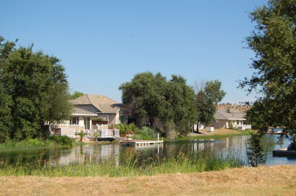 Lake California Waterfront Homes