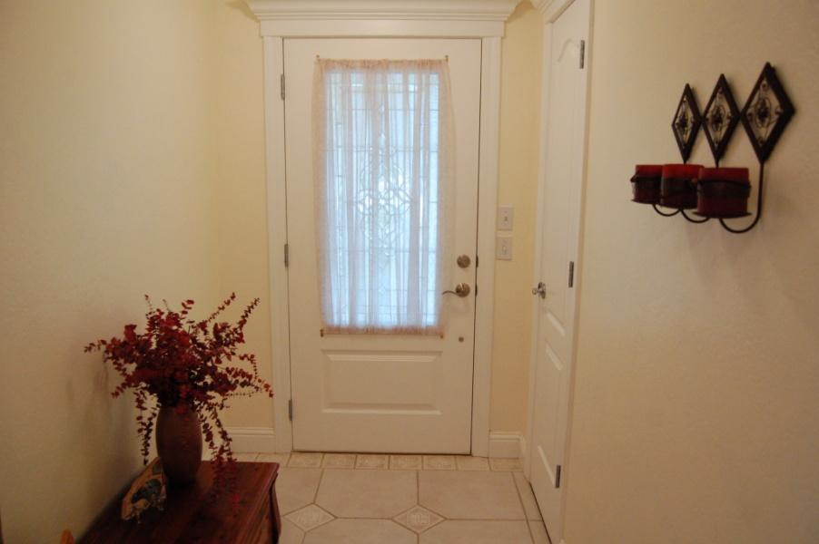 redding-homes-riviera-entry