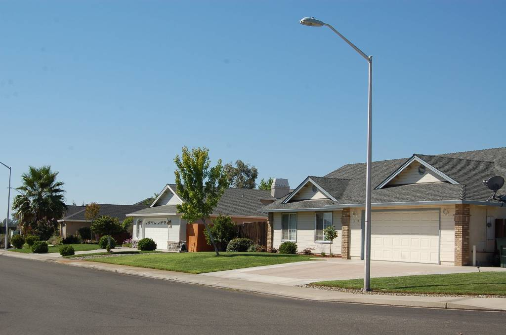 Country Heights Subdivision Street View