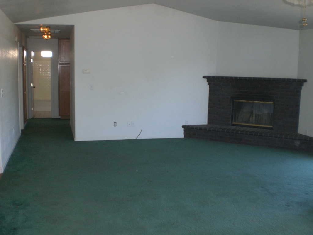 Interior photo of home on Eagle Peak Dr in Lake California