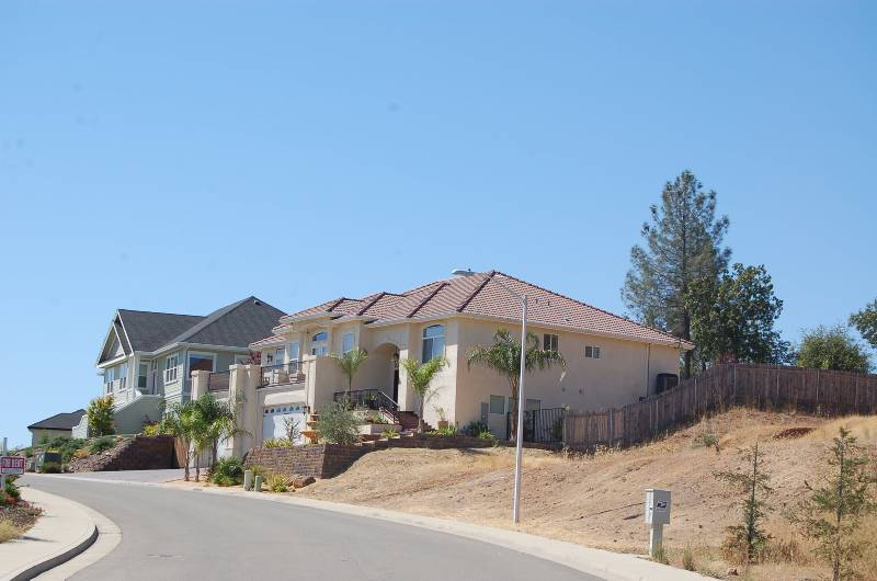 Placer Pines Subdivision Street