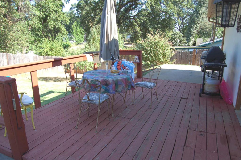 Shasta Lake Home For Sale Washington Ave Deck-2