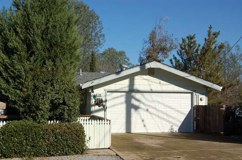 1296 Riviera Dr Redding CA Home For Sale