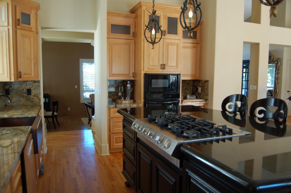 2605 Casabella Dr Redding CA Kitchen