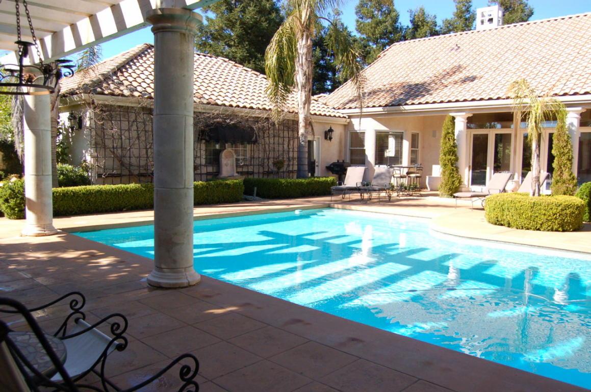 2605 Casabella Dr Redding CA Swimming Pool