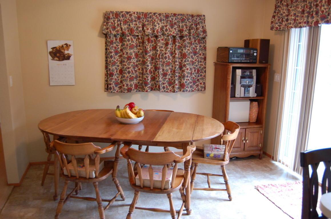 1565 Morning Sun Dr Redding CA Dining Area