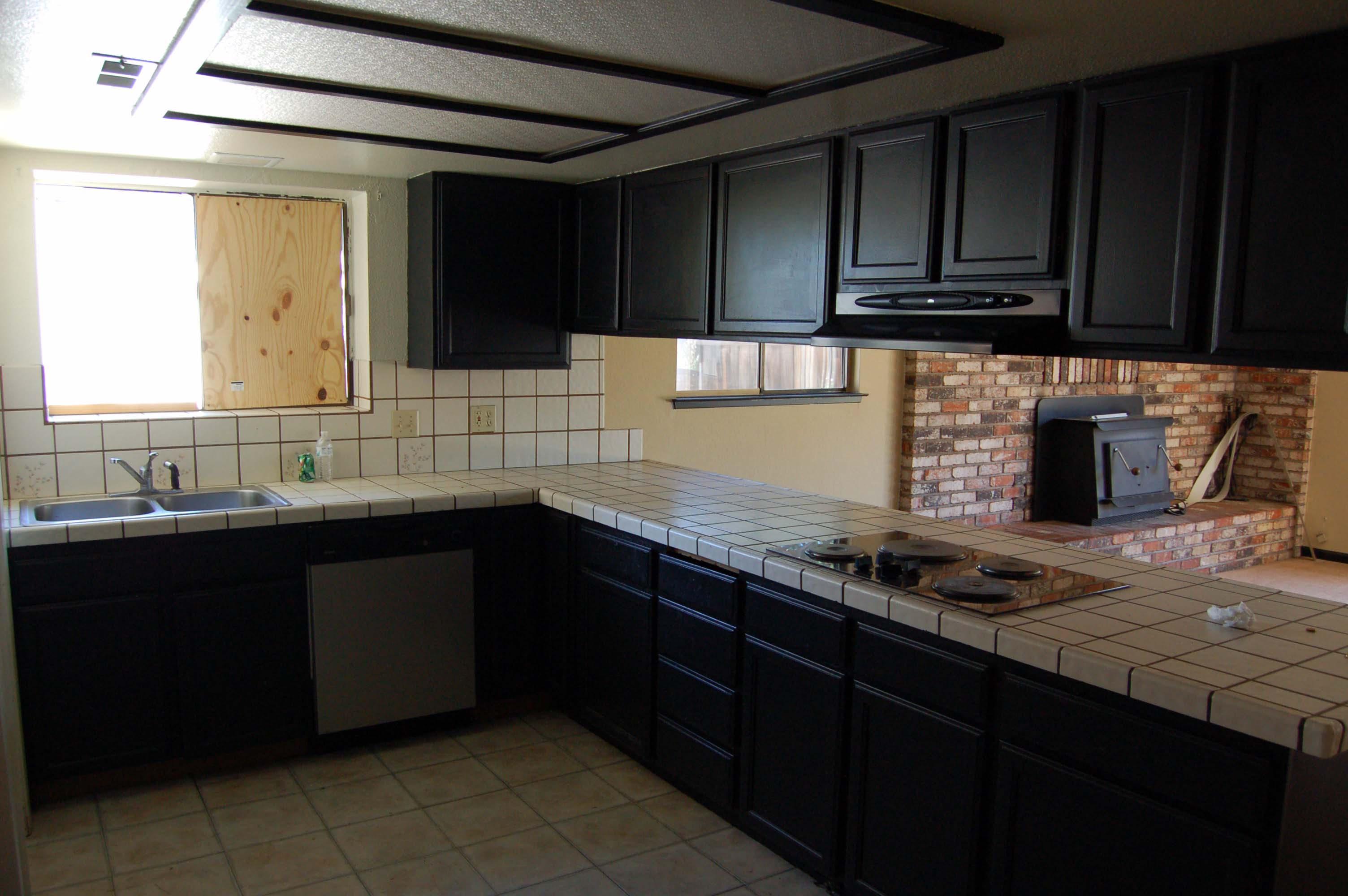 1049 Mistletoe Ln Redding CA Kitchen