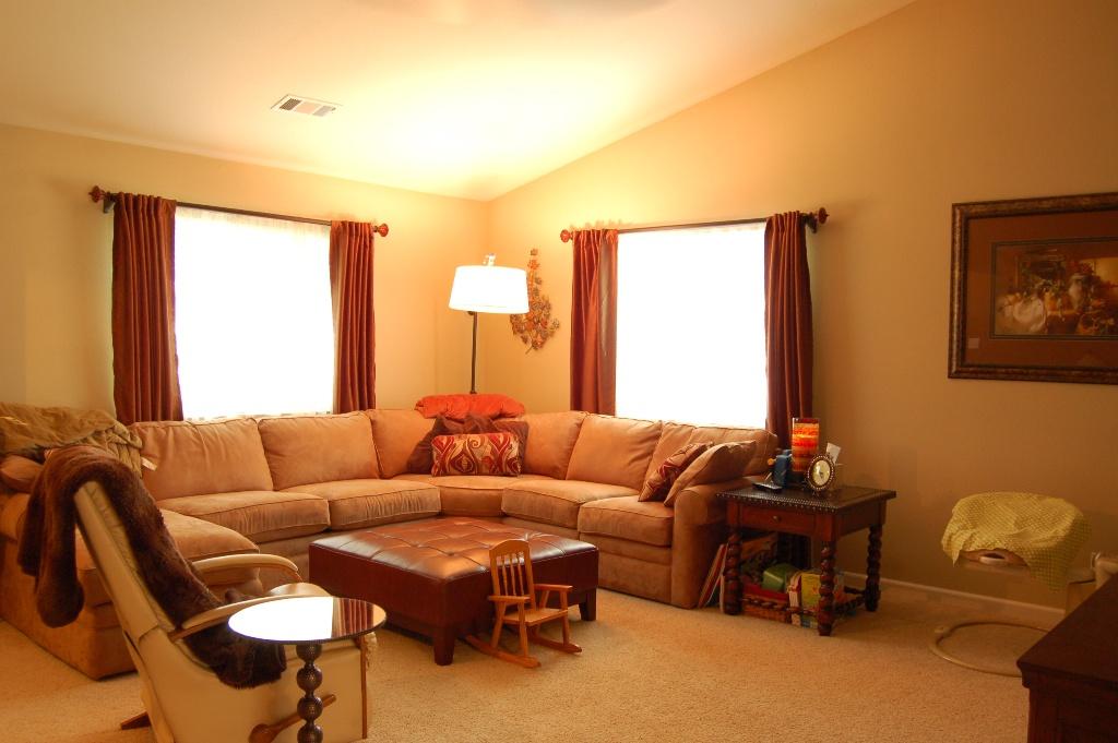 3736 Summit Dr Redding CA Family Room