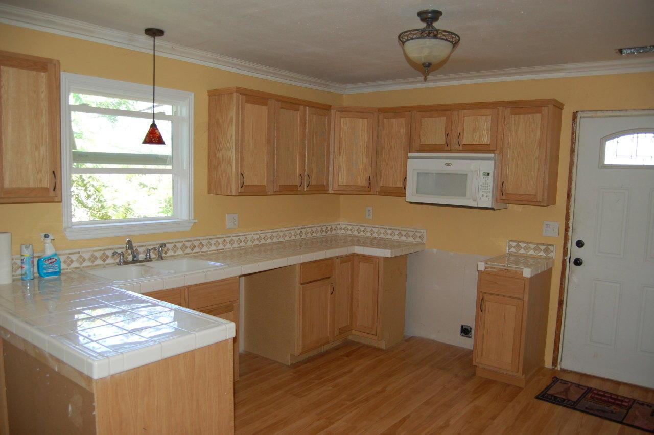 4630 Memory Ln Redding CA Kitchen