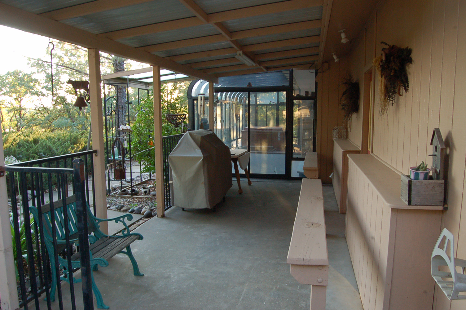 17410-Hooker-Creek-Rd-Cottonwood-CA-patio