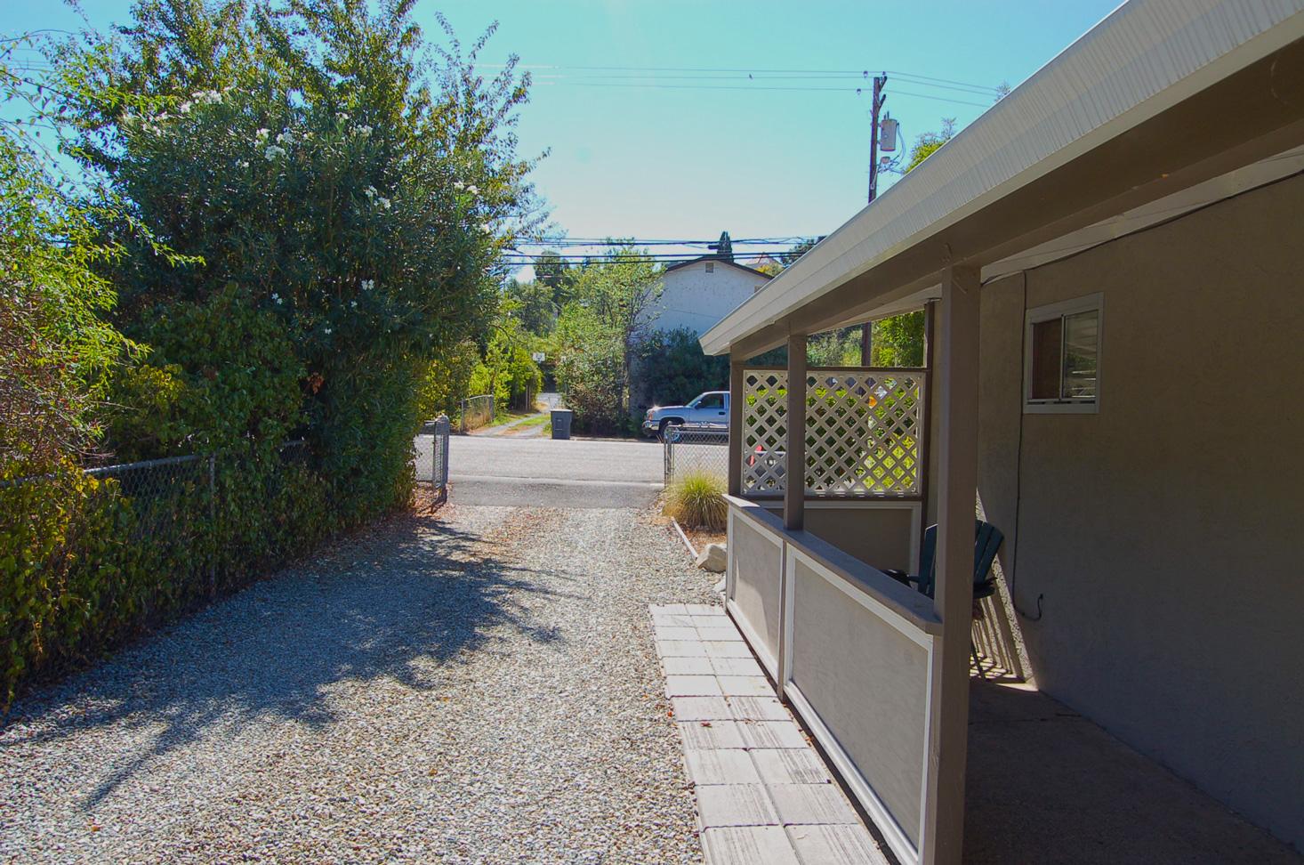 945 West St Redding CA 96001 MLS# 11-4275