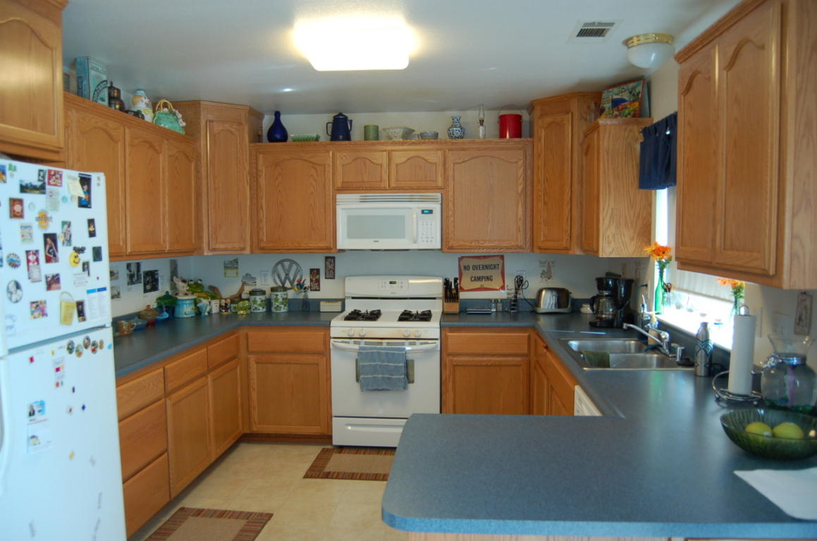 4832 Main St Shasta Lake CA MLS#12-500 Kitchen