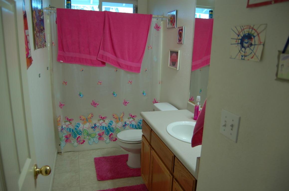 4832 Main St Shasta Lake CA MLS#12-500 bath